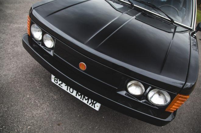 1989 Tatra 613 3 front end 02