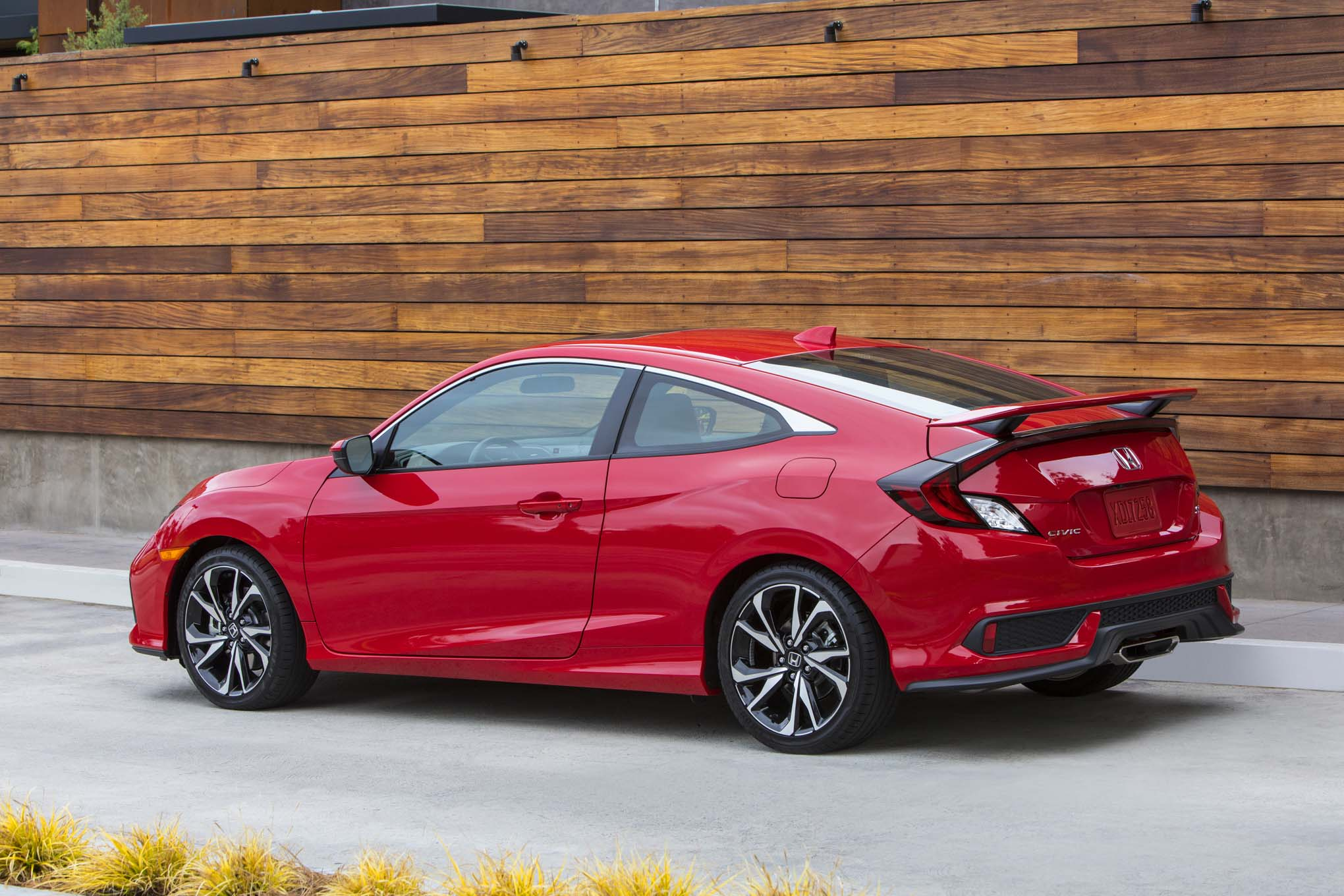2017 honda civic si first drive review automobile magazine for Si honda civic