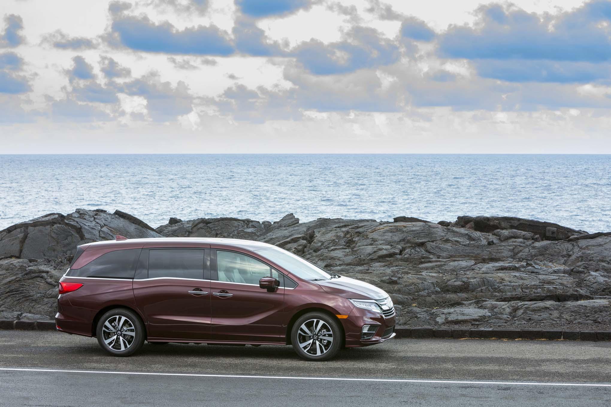 2018 Honda Odyssey Front Side Static