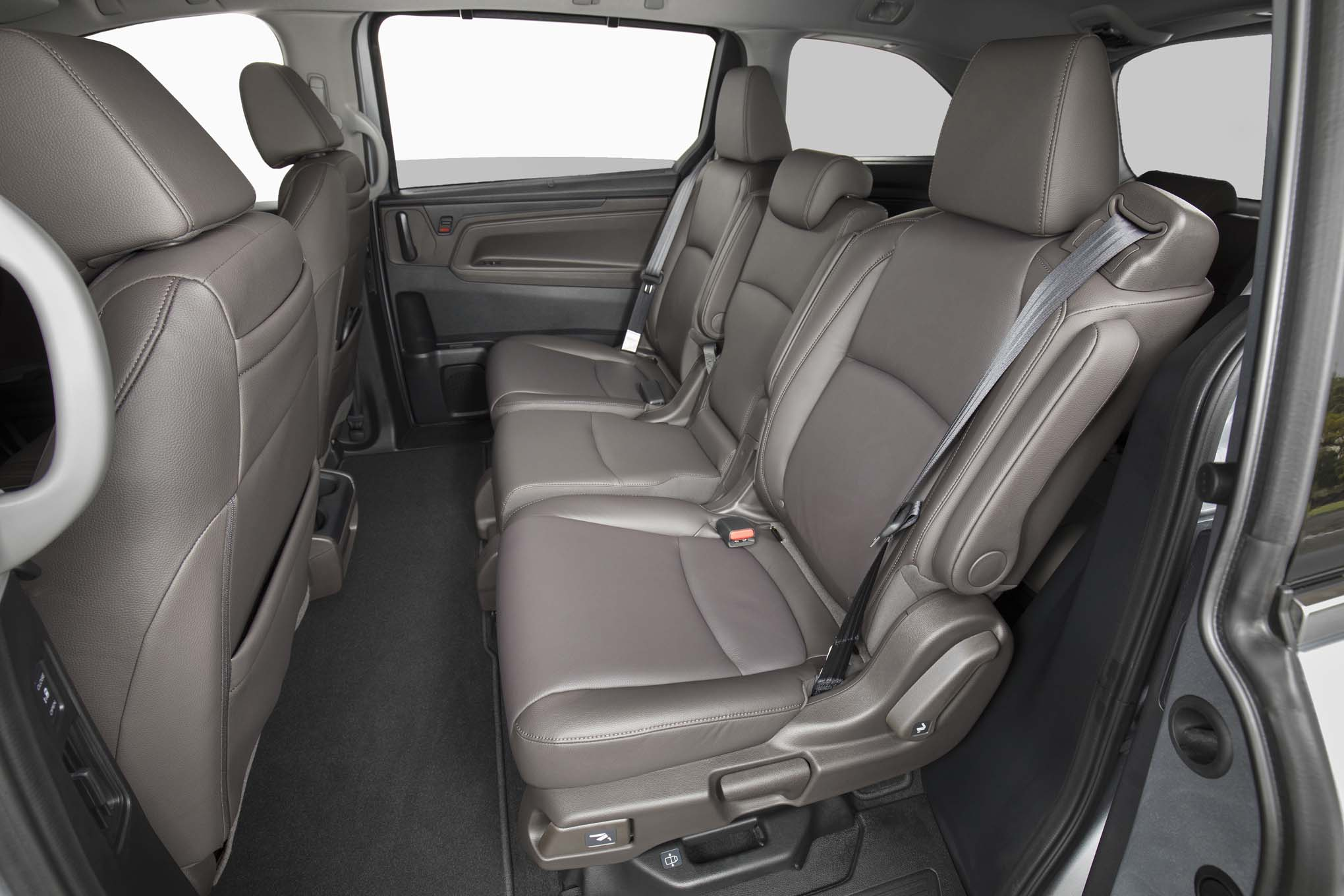 2018 Honda Odyssey Rear Interior Seats 02
