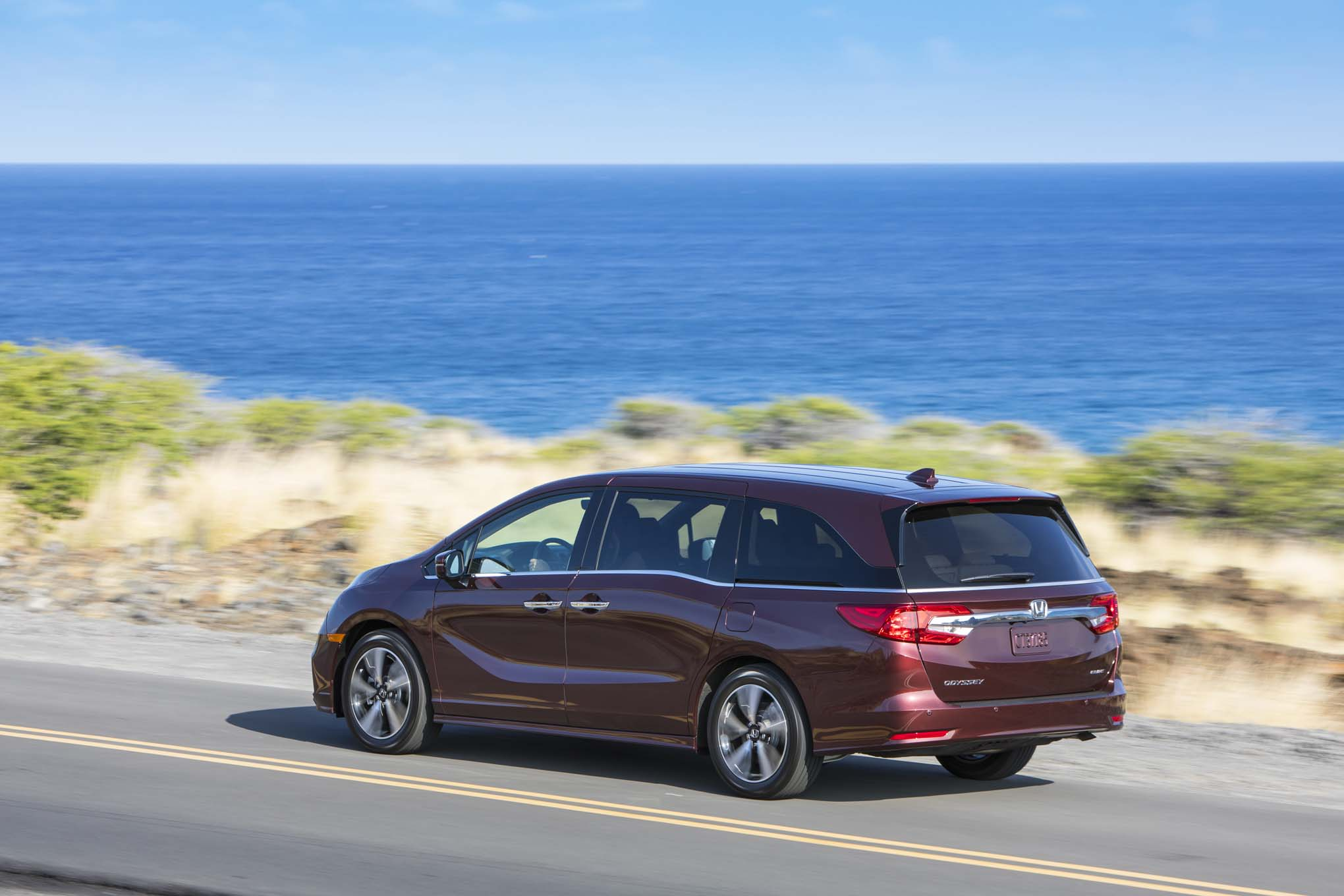 2018 Honda Odyssey Rear Three Quarter In Motion 10