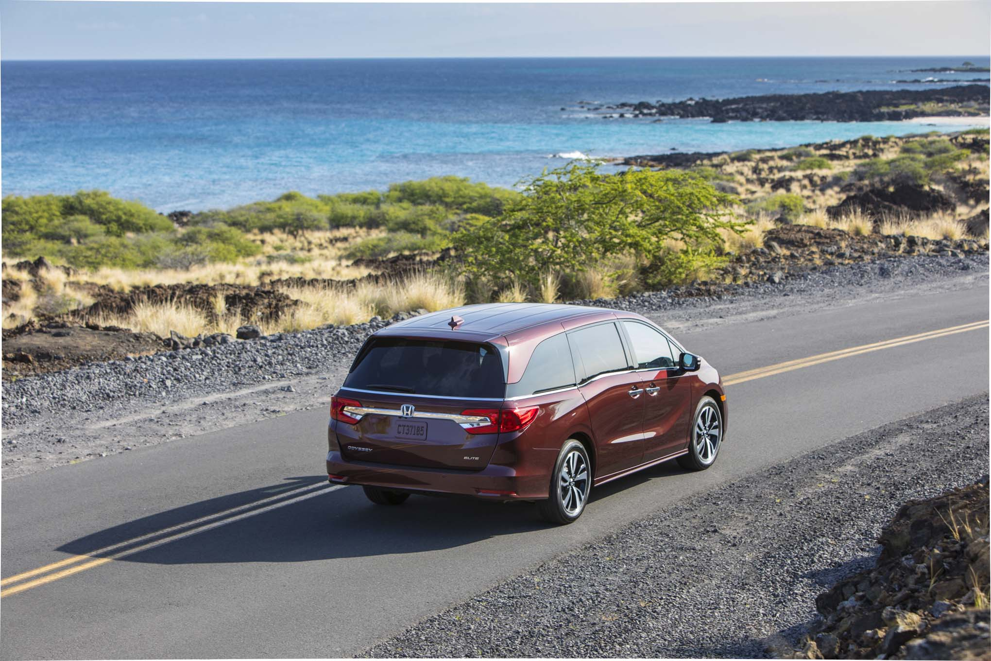2018 Honda Odyssey Rear Three Quarter In Motion 11