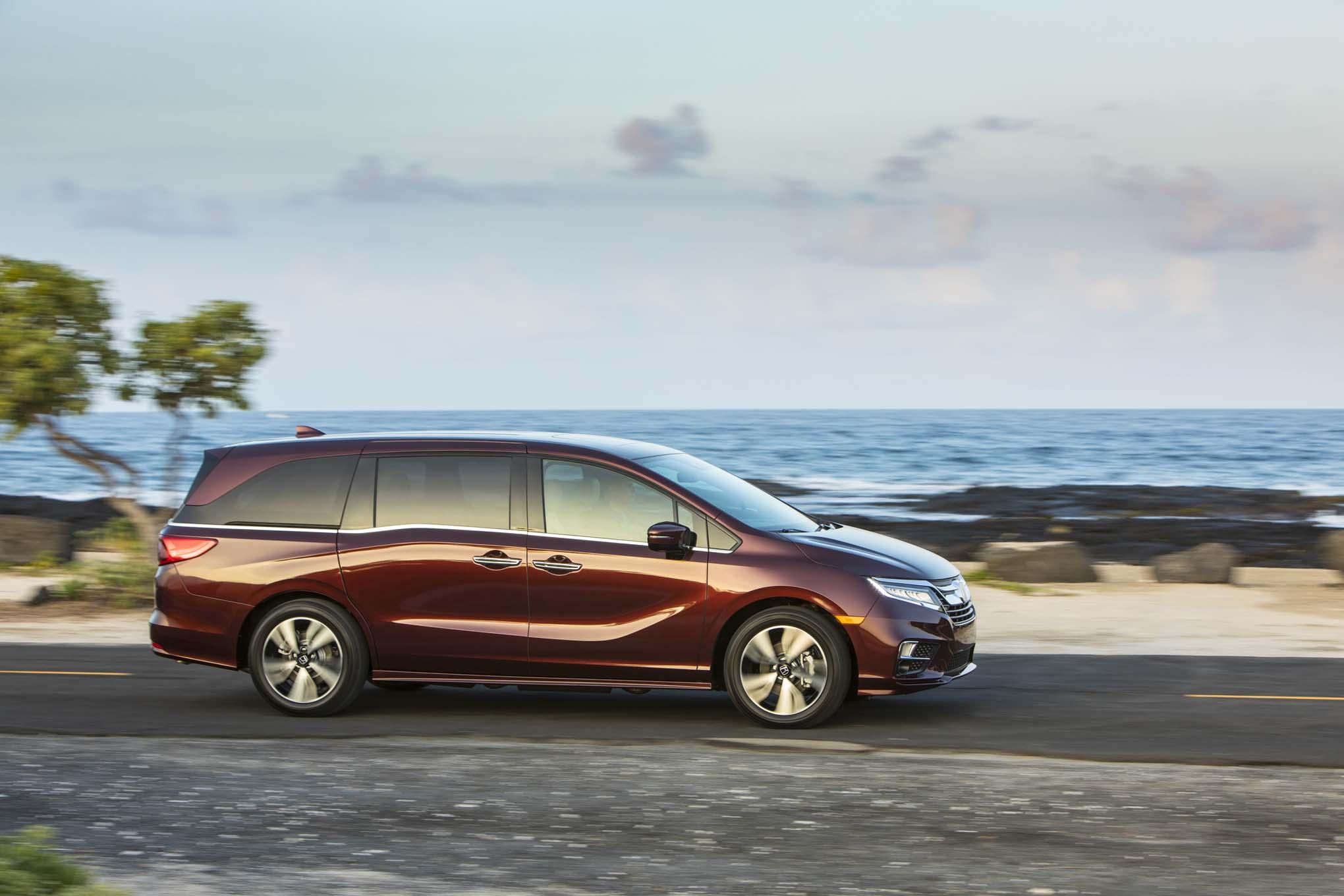2018 Honda Odyssey Side 03