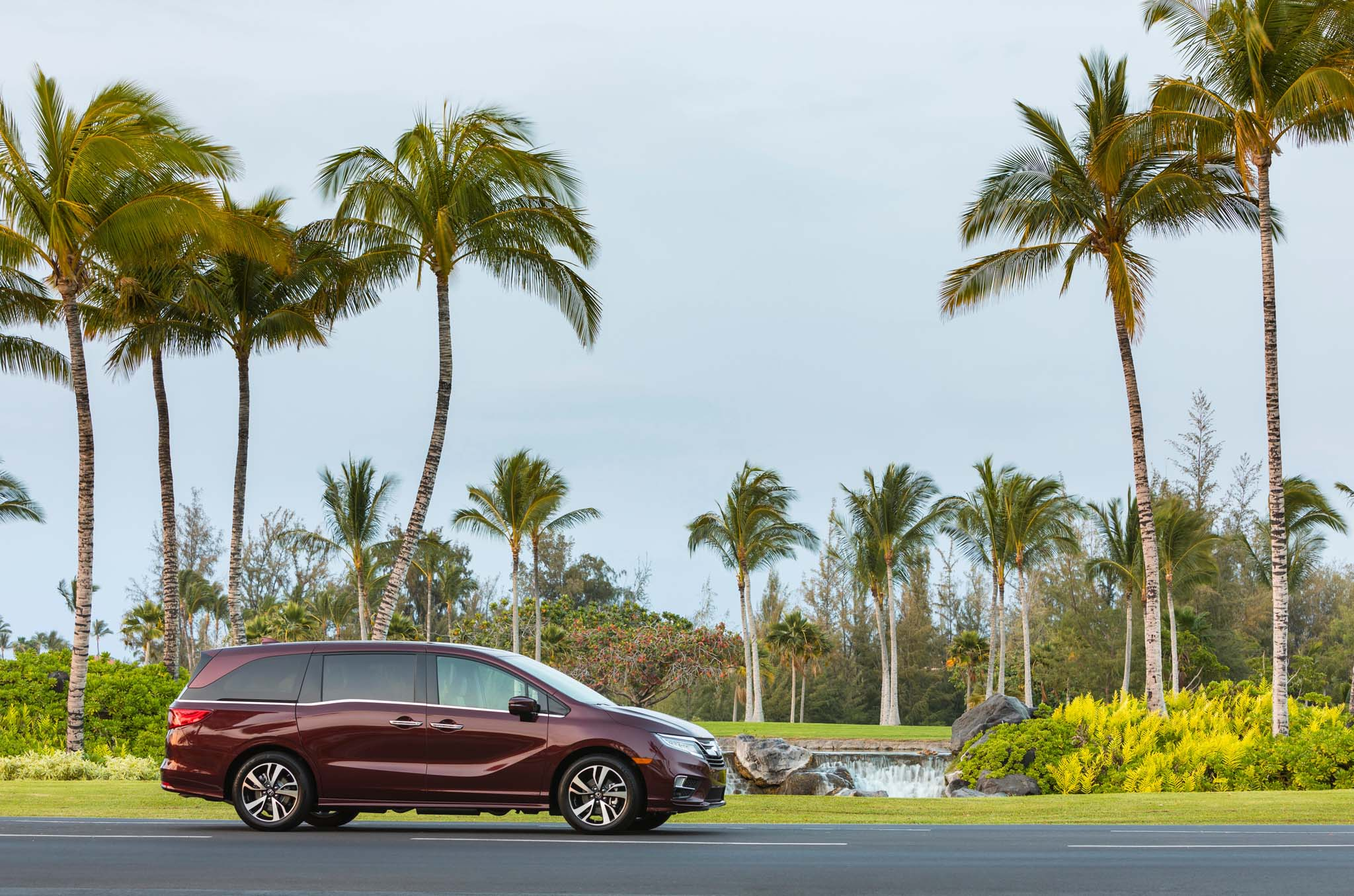 2018 Honda Odyssey Side Profile 05
