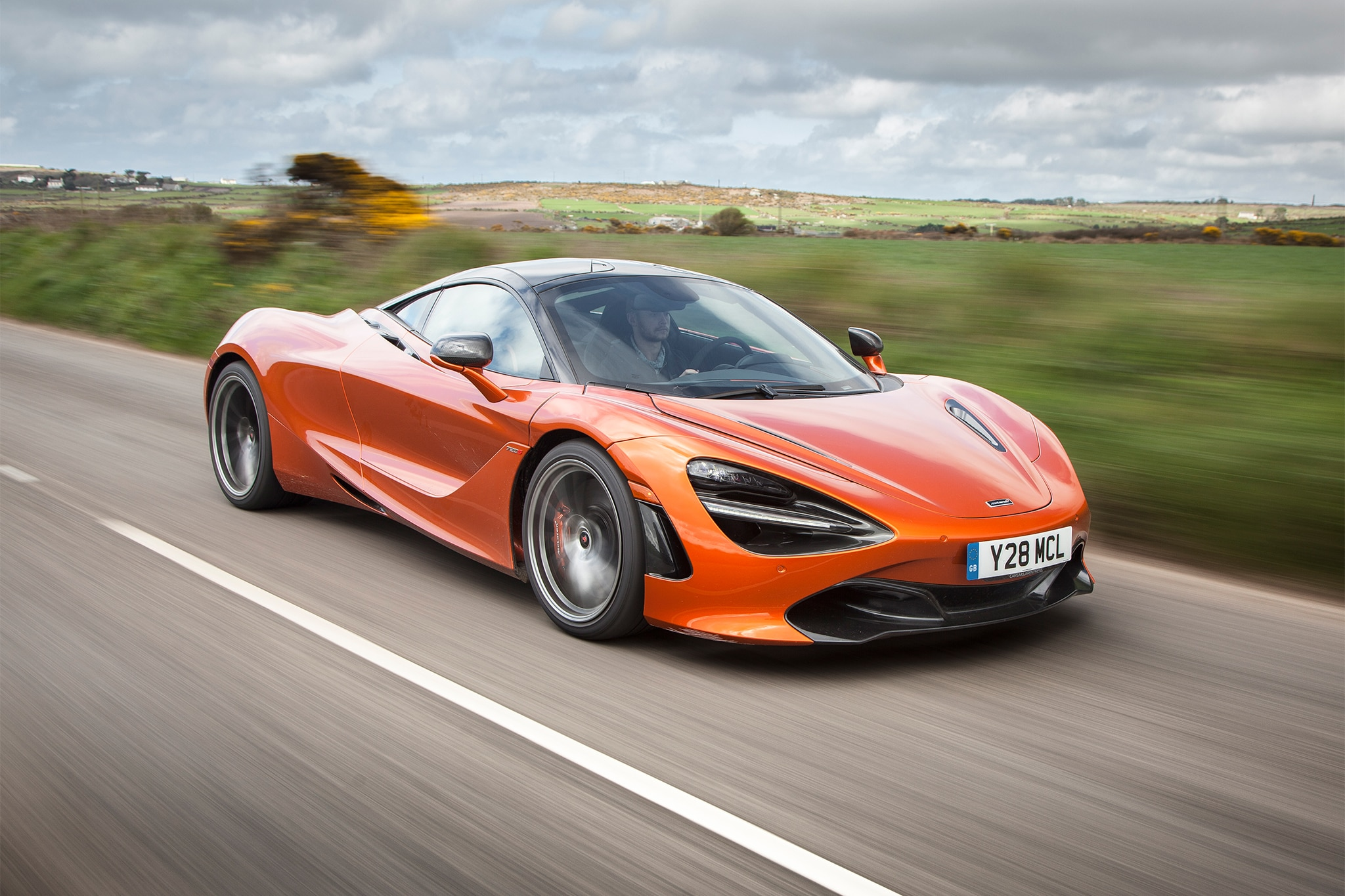 2018 McLaren 720S Front Three Quarter In Motion 05 3