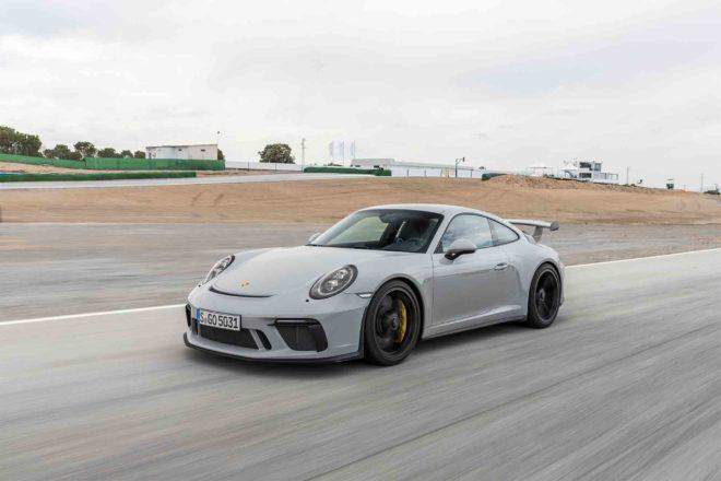 2018 Porsche 911 GT3 front three quarter in motion 06