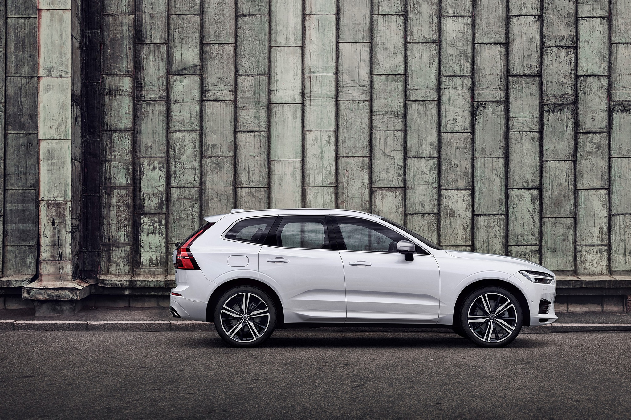 2018 volvo usa. plain usa customers  and 2018 volvo usa