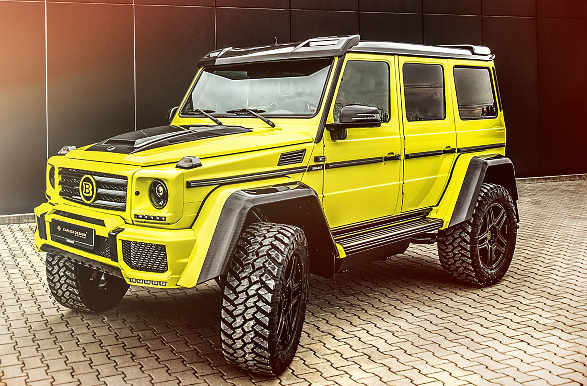 carlex designs lime yellow interior for mercedes benz g550 4x4 automobile magazine. Black Bedroom Furniture Sets. Home Design Ideas