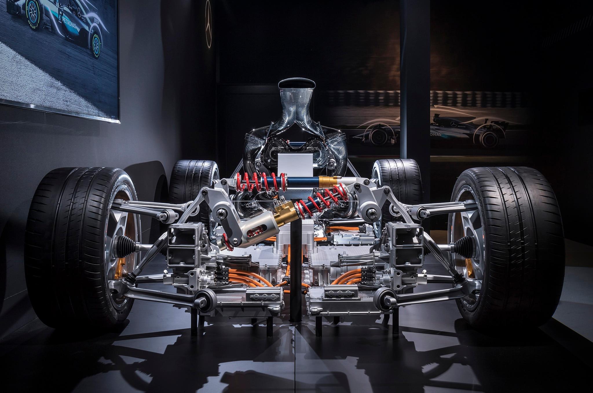 Mercedes amg project one hypercar s powertrain revealed for Mercedes benz amg project one