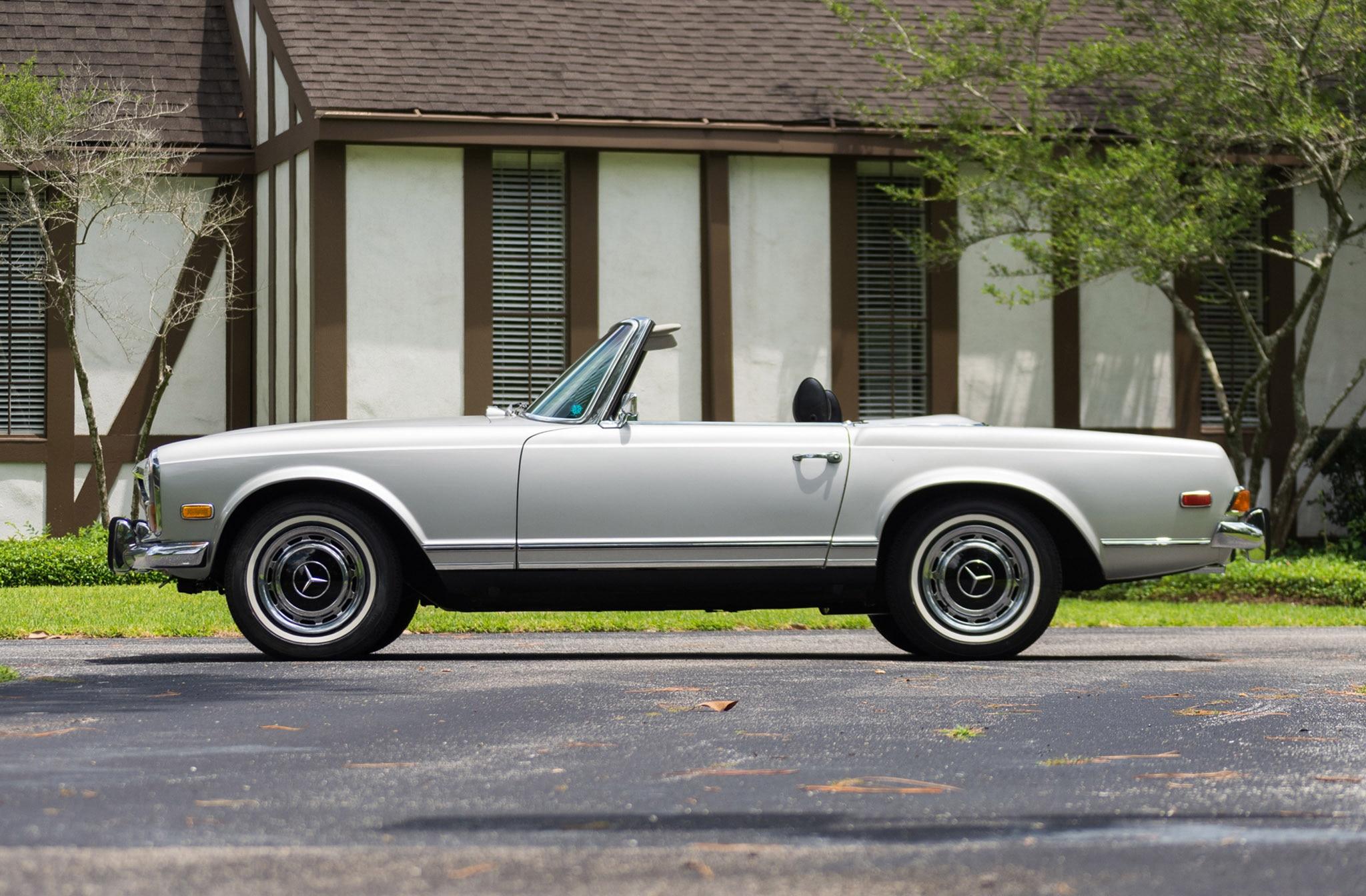 just listed 1971 mercedes benz 280sl automobile magazine. Black Bedroom Furniture Sets. Home Design Ideas