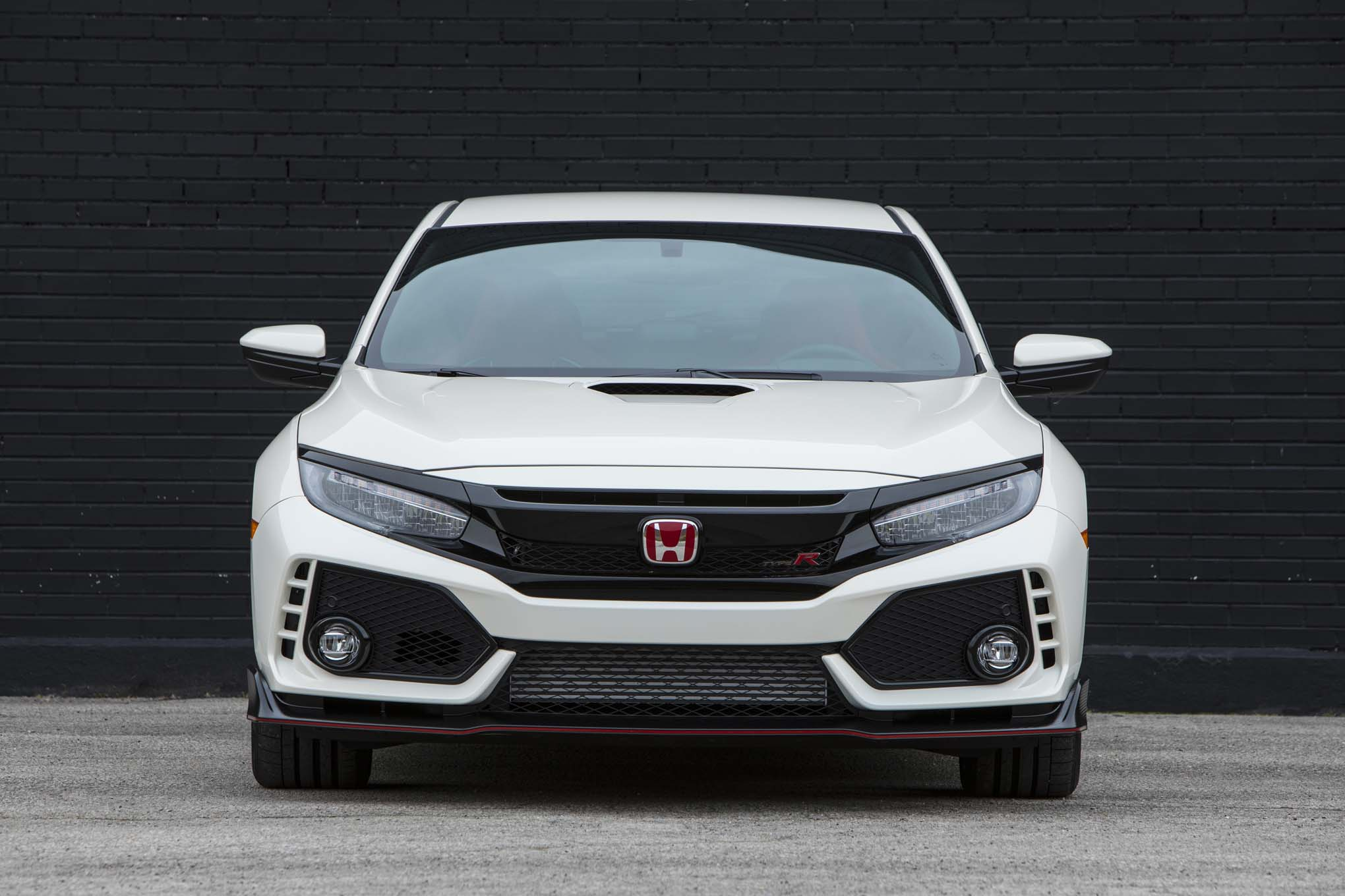 2017 honda civic type r first drive automobile magazine for Honda accord type r 2017