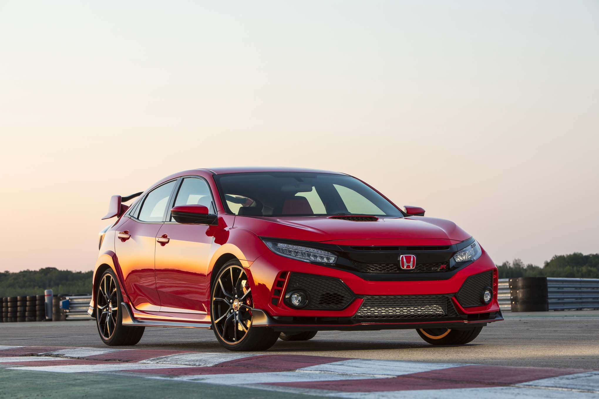 2017 honda civic type r pro racer 39 s analysis automobile. Black Bedroom Furniture Sets. Home Design Ideas