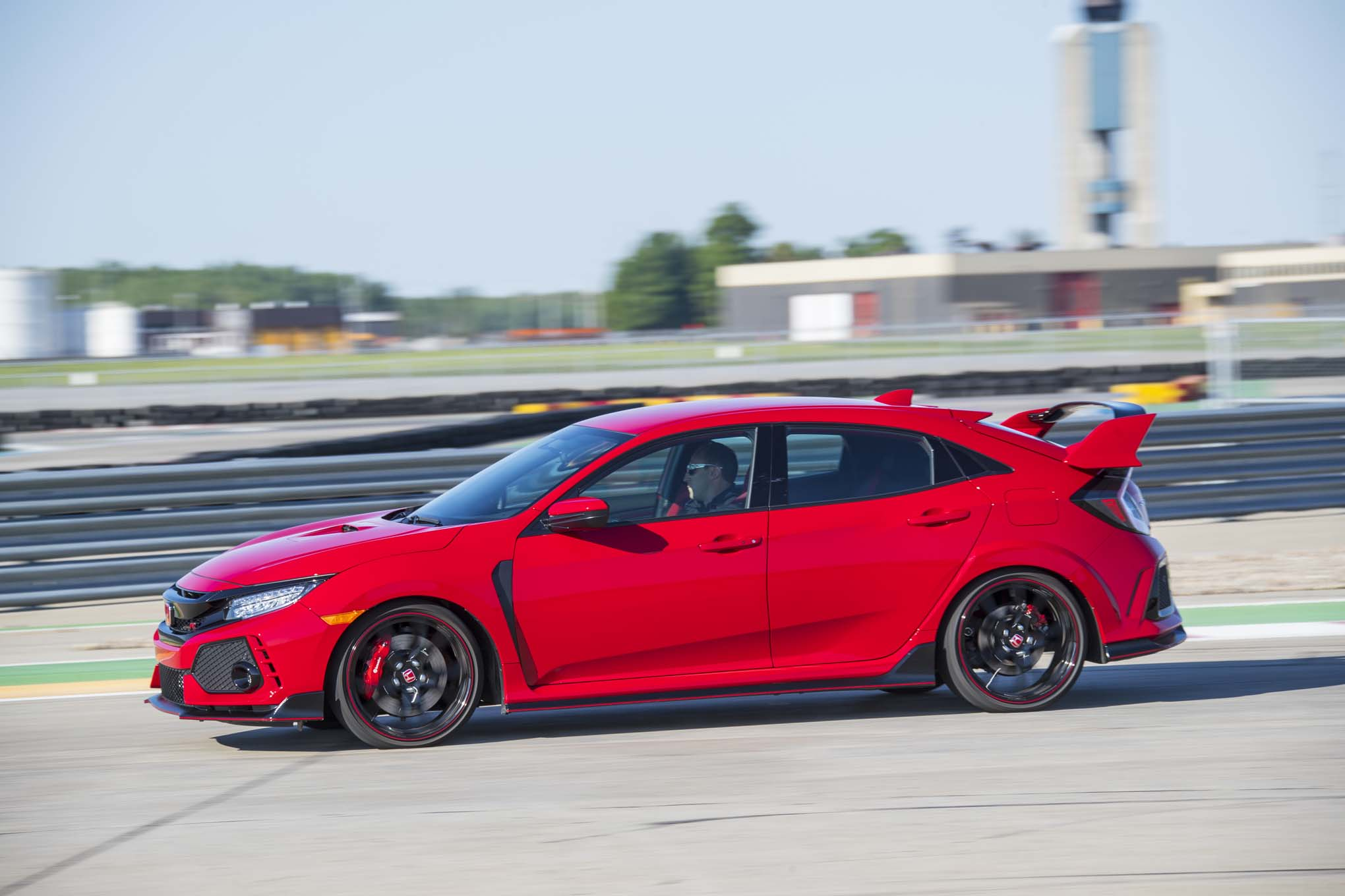 2017 Honda Civic Type R Side In Motion 1