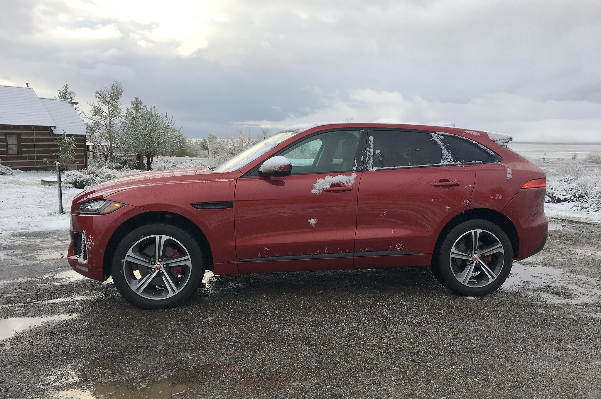 our aluminum four seasons 2017 jaguar f pace s tows an aluminum airstream automobile magazine. Black Bedroom Furniture Sets. Home Design Ideas