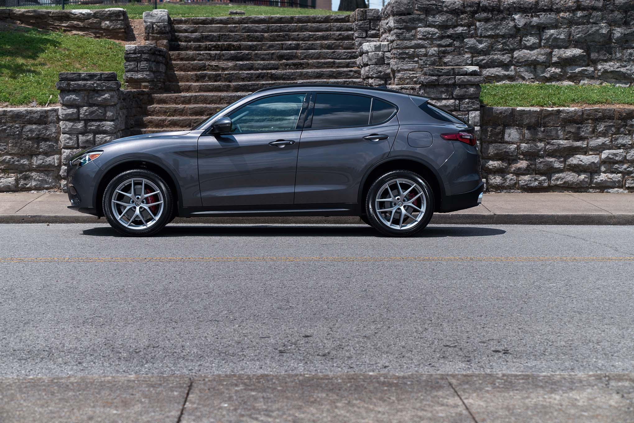 2019 Alfa Romeo Giulia Stelvio add Ti Sport Carbon package