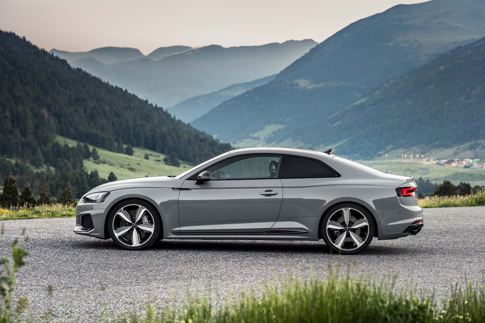 2018 audi drive select.  2018 use the drive mode select toggle for a more aggressive setting and  revs stay high with quicker upshifts easier downshifts on 2018 audi drive