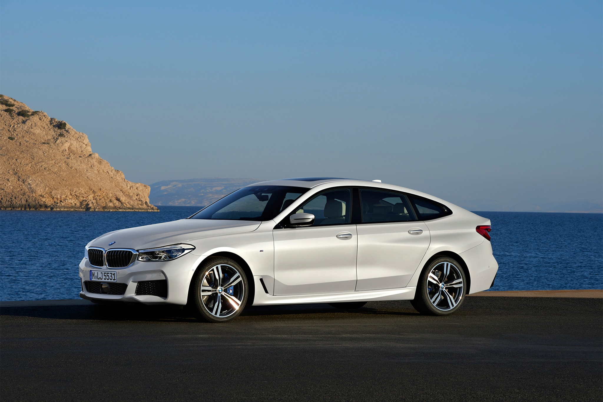 2018 bmw 640i xdrive gran turismo picks up where the 5 gt left off automobile magazine. Black Bedroom Furniture Sets. Home Design Ideas