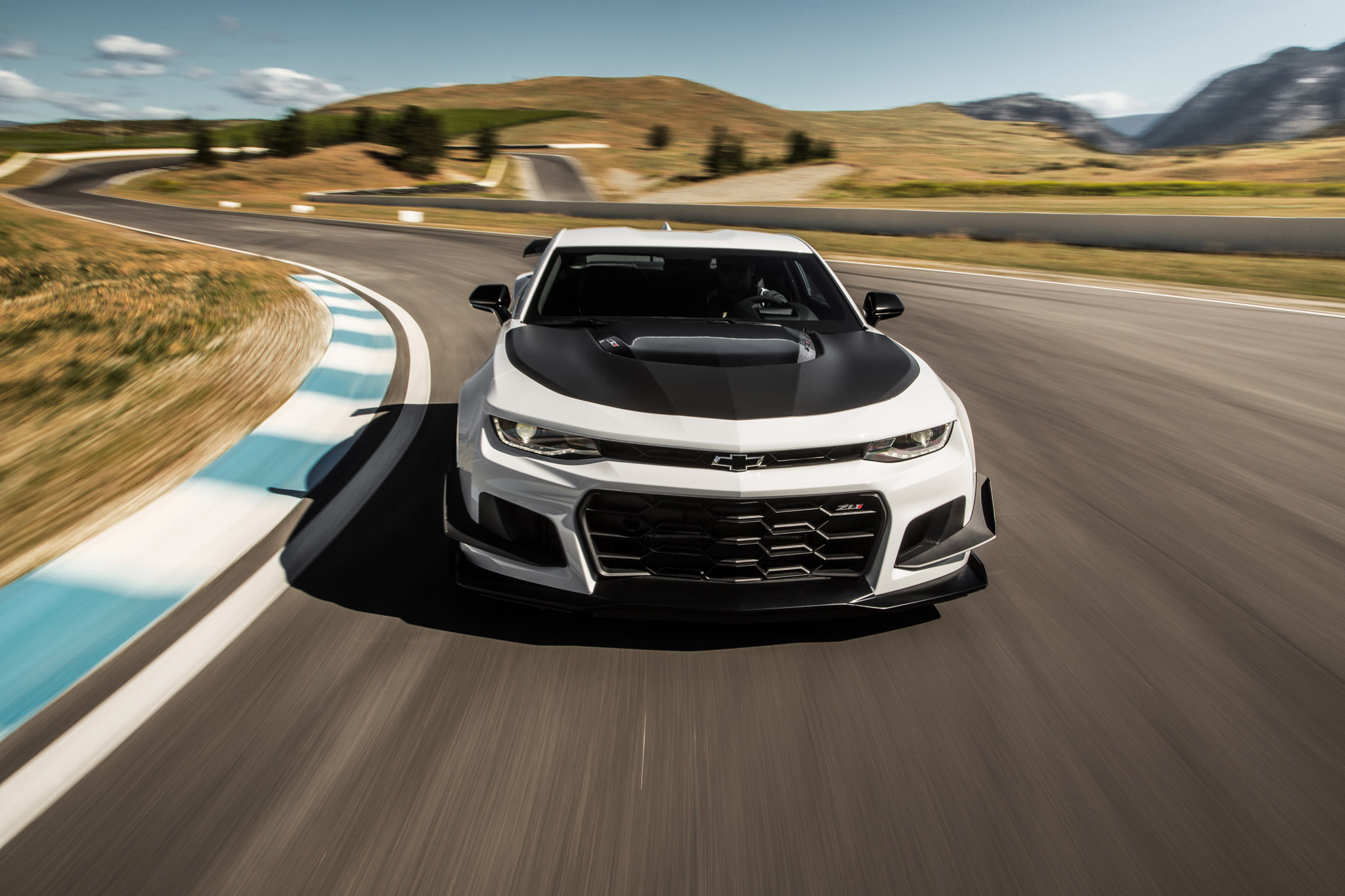 First Drive 2018 Chevrolet Camaro Zl1 1le Automobile Magazine