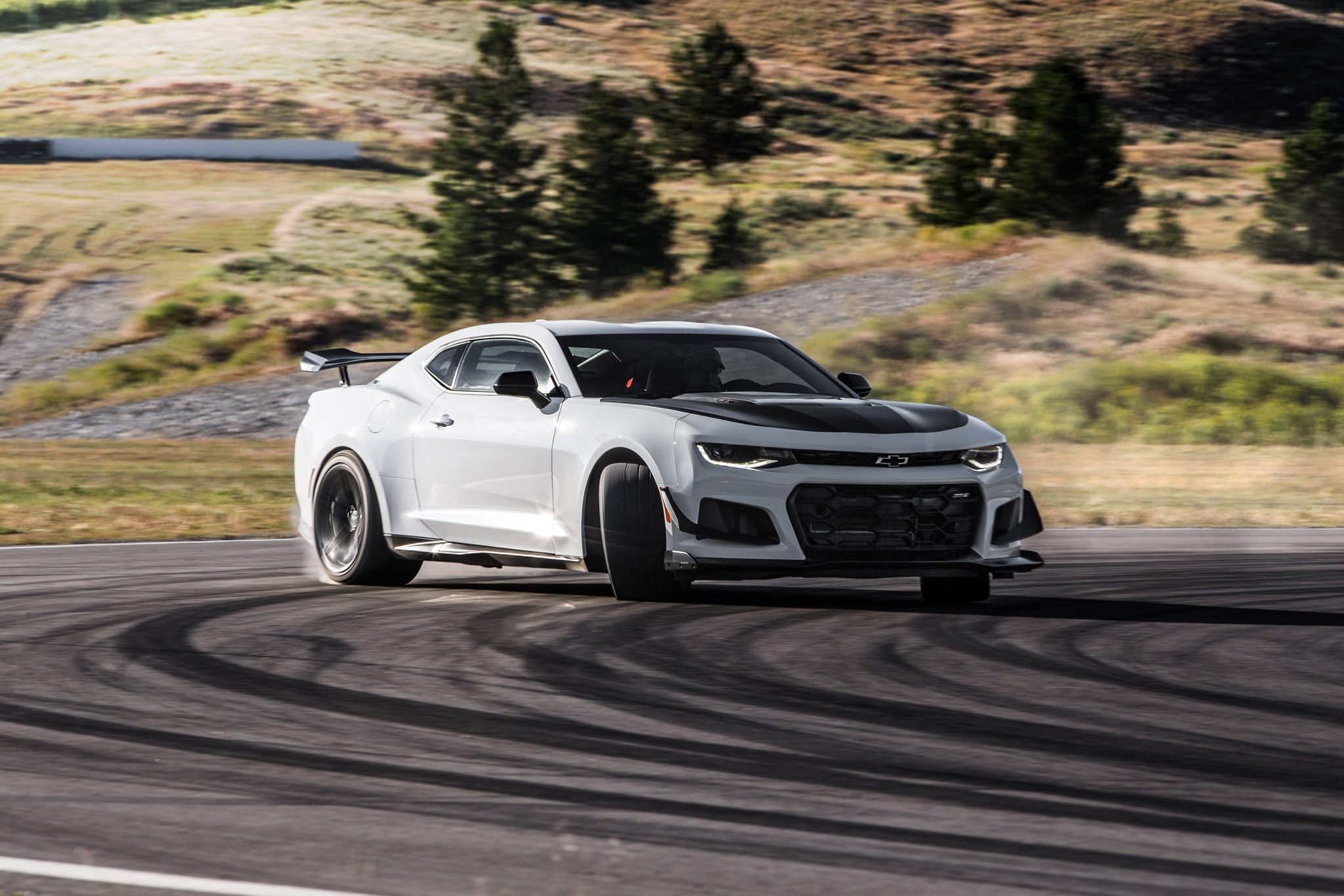 First Drive 2018 Chevrolet Camaro Zl1 1le Automobile