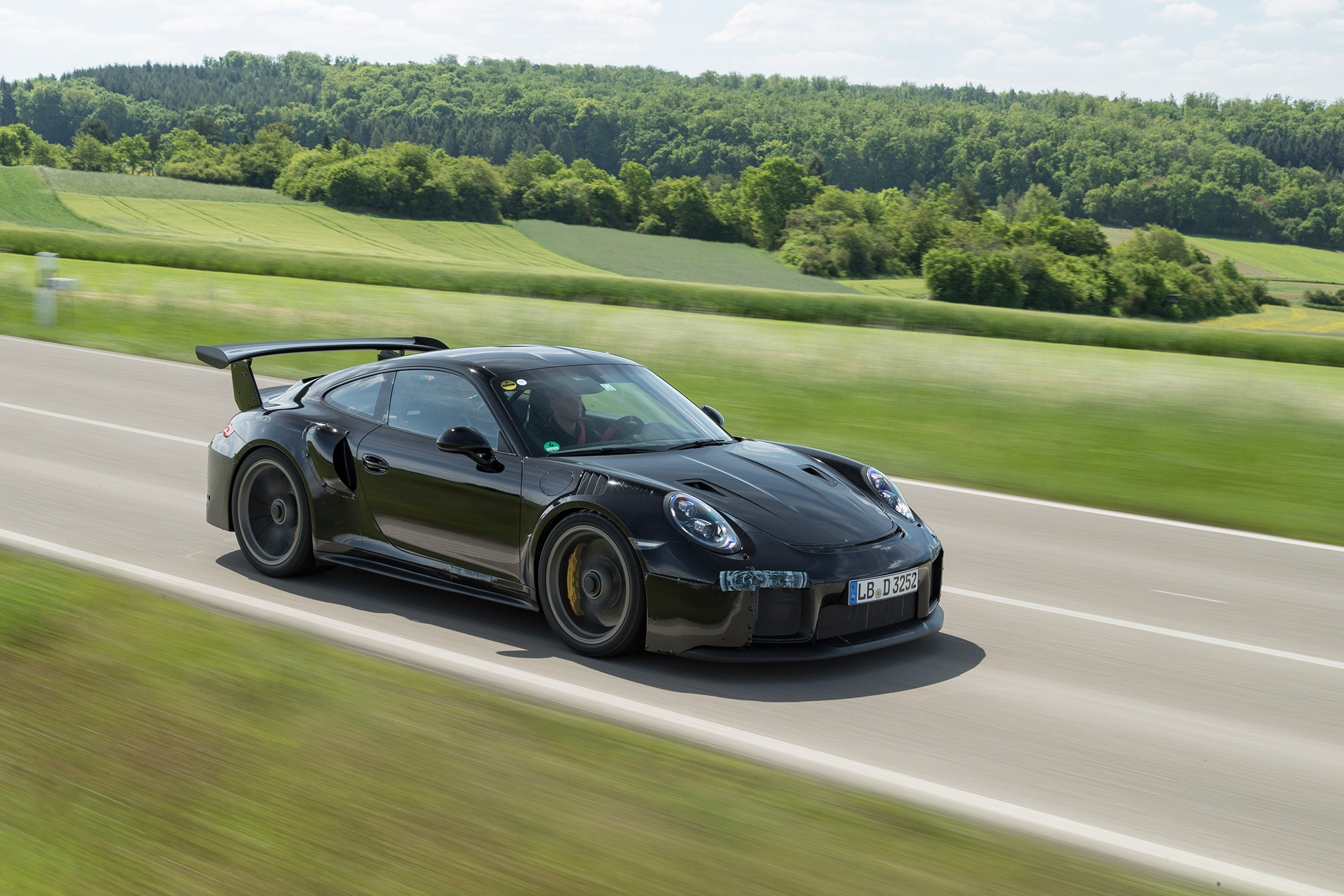 2018 porsche 911 gt2 rs we go for an early ride automobile magazine. Black Bedroom Furniture Sets. Home Design Ideas