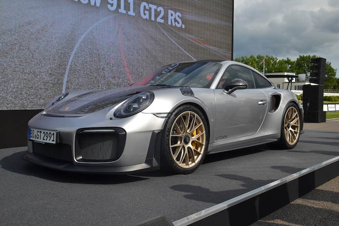 2018 porsche 911 gt2 rs revealed at goodwood automobile. Black Bedroom Furniture Sets. Home Design Ideas