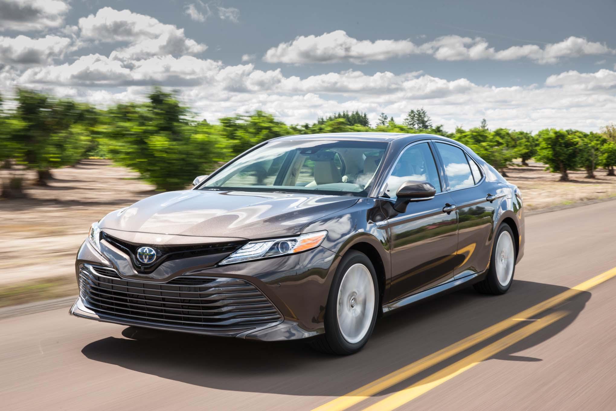 Toyota Camry фото, цена, характеристики Тойота