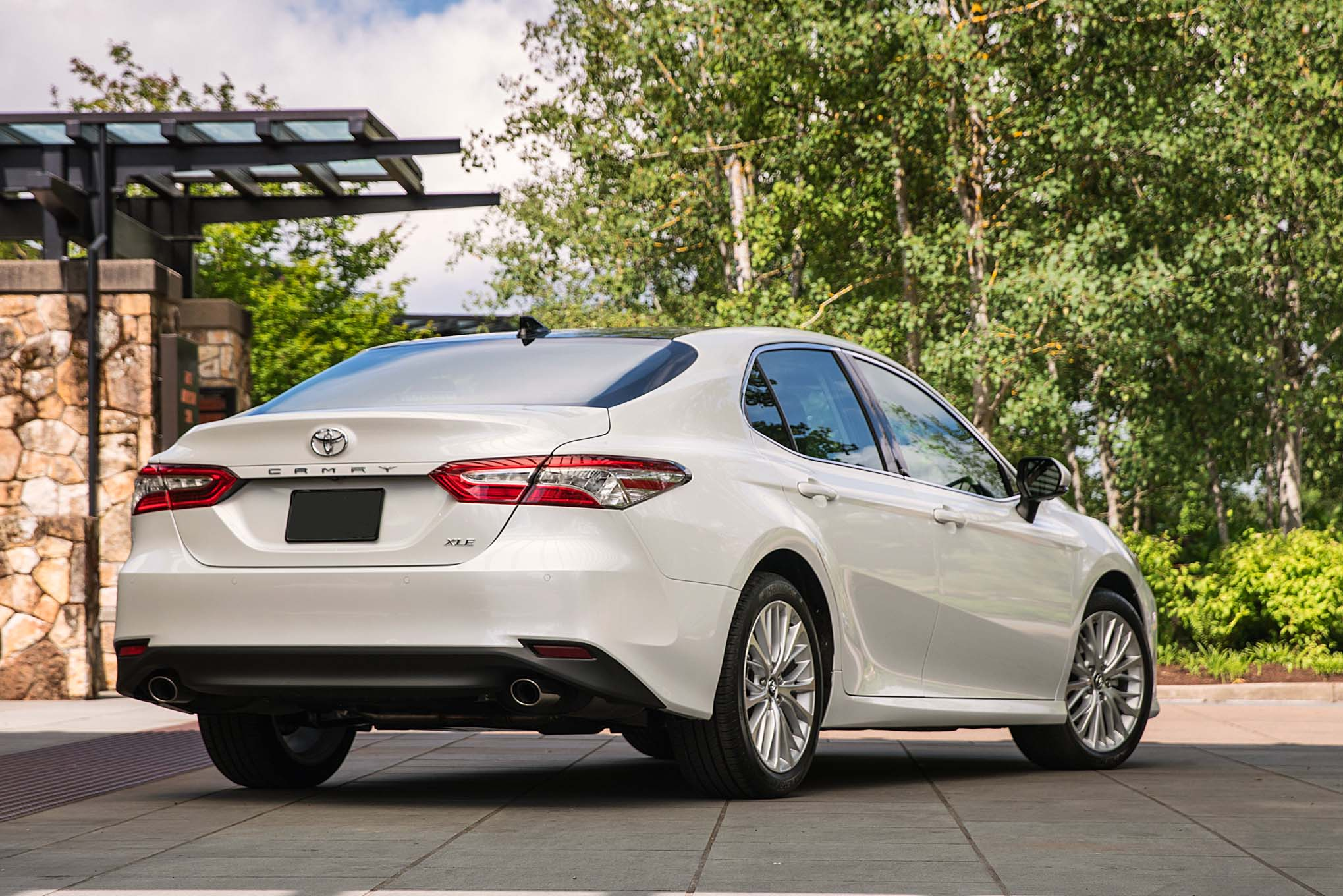 2018 toyota xle. delighful toyota while  on 2018 toyota xle y
