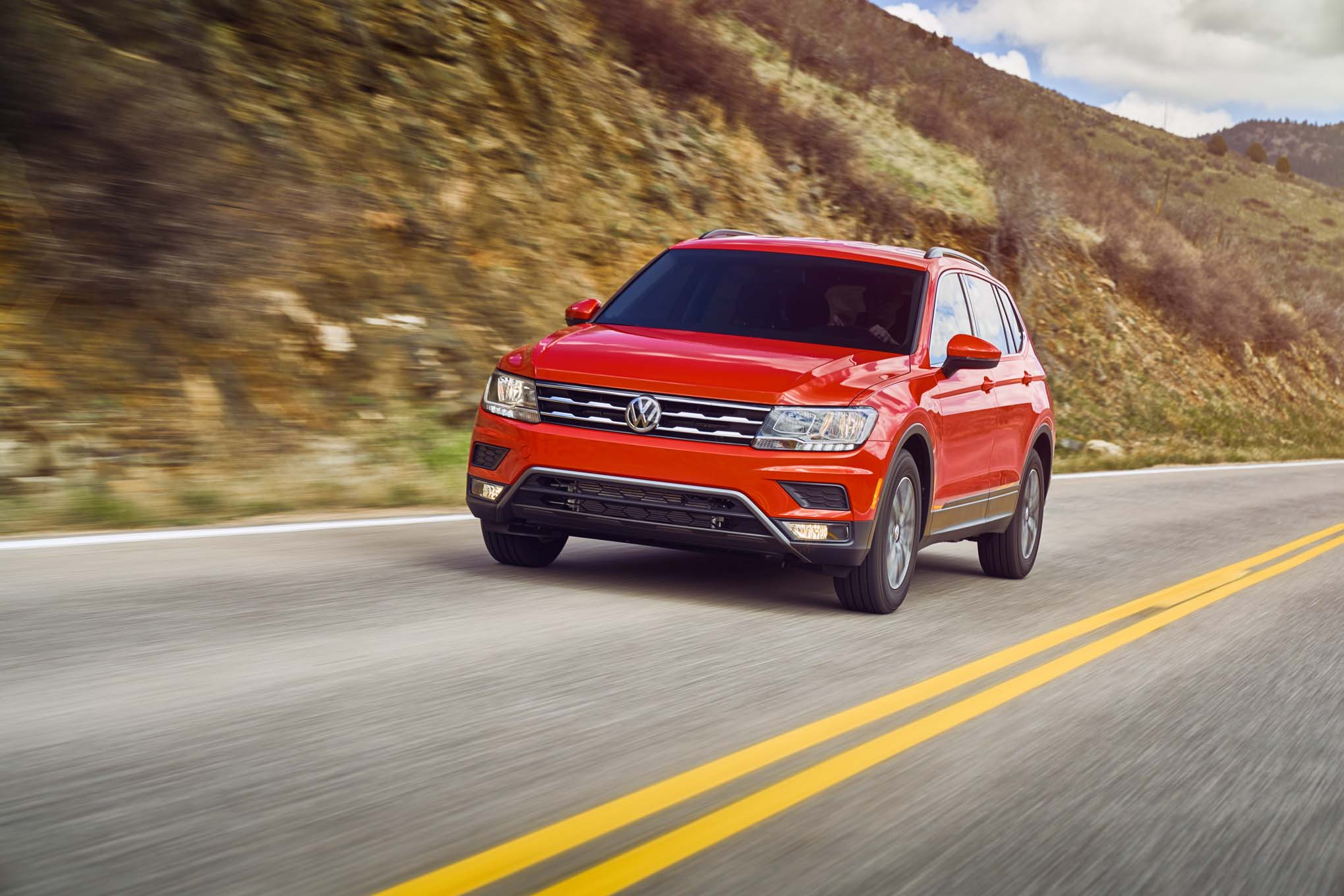 2018 Volkswagen Tiguan S Front Three Quarter In Motion