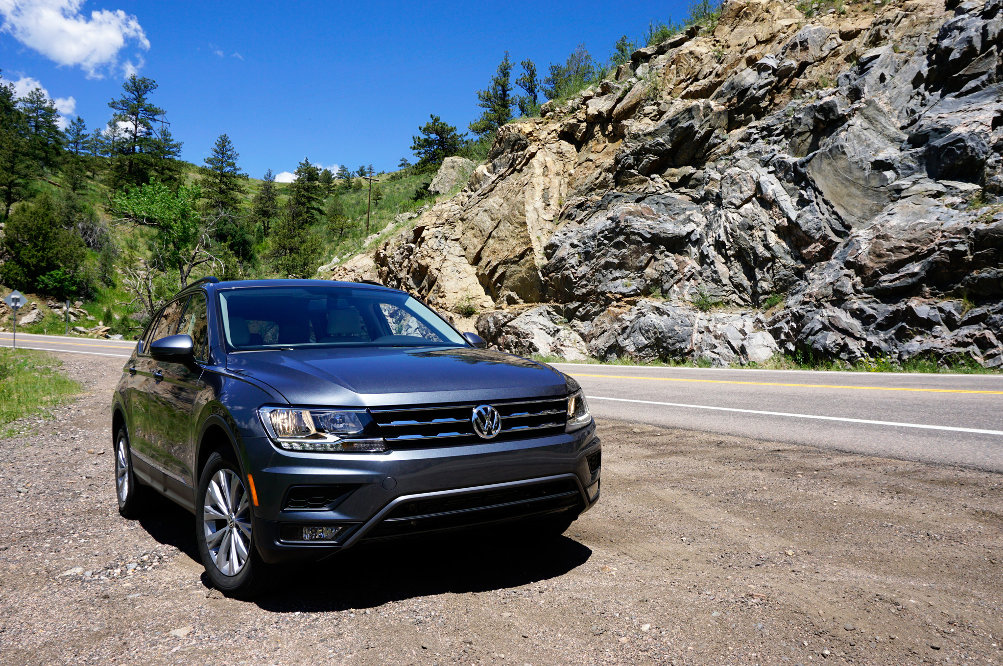 first drive 2018 volkswagen tiguan automobile magazine. Black Bedroom Furniture Sets. Home Design Ideas