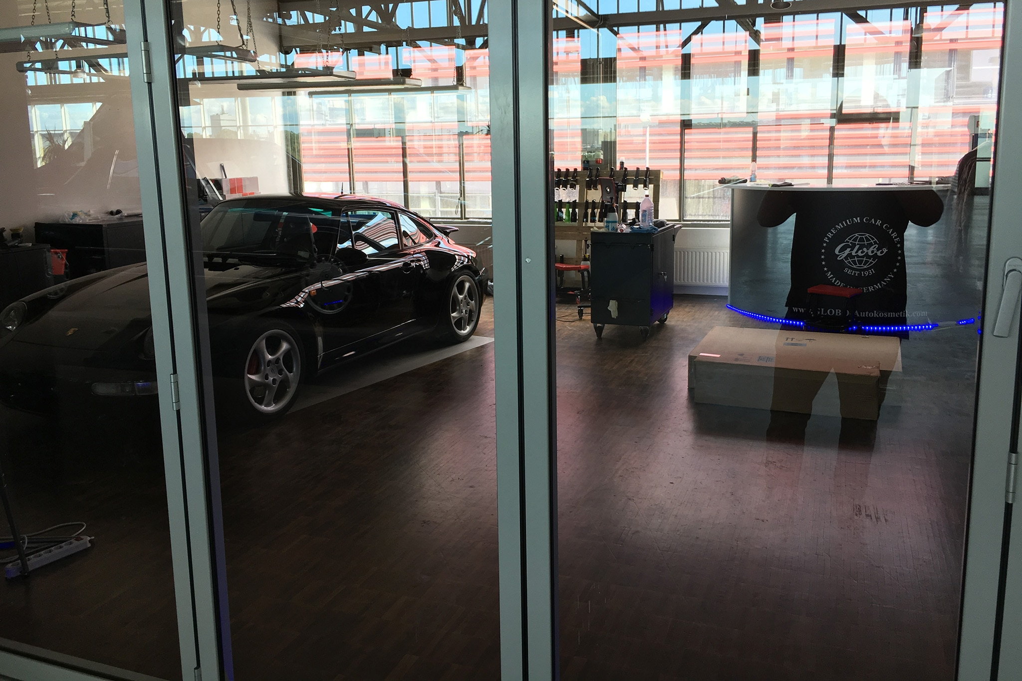 Alfa img showing gt glass hangar doors - Conner Golden