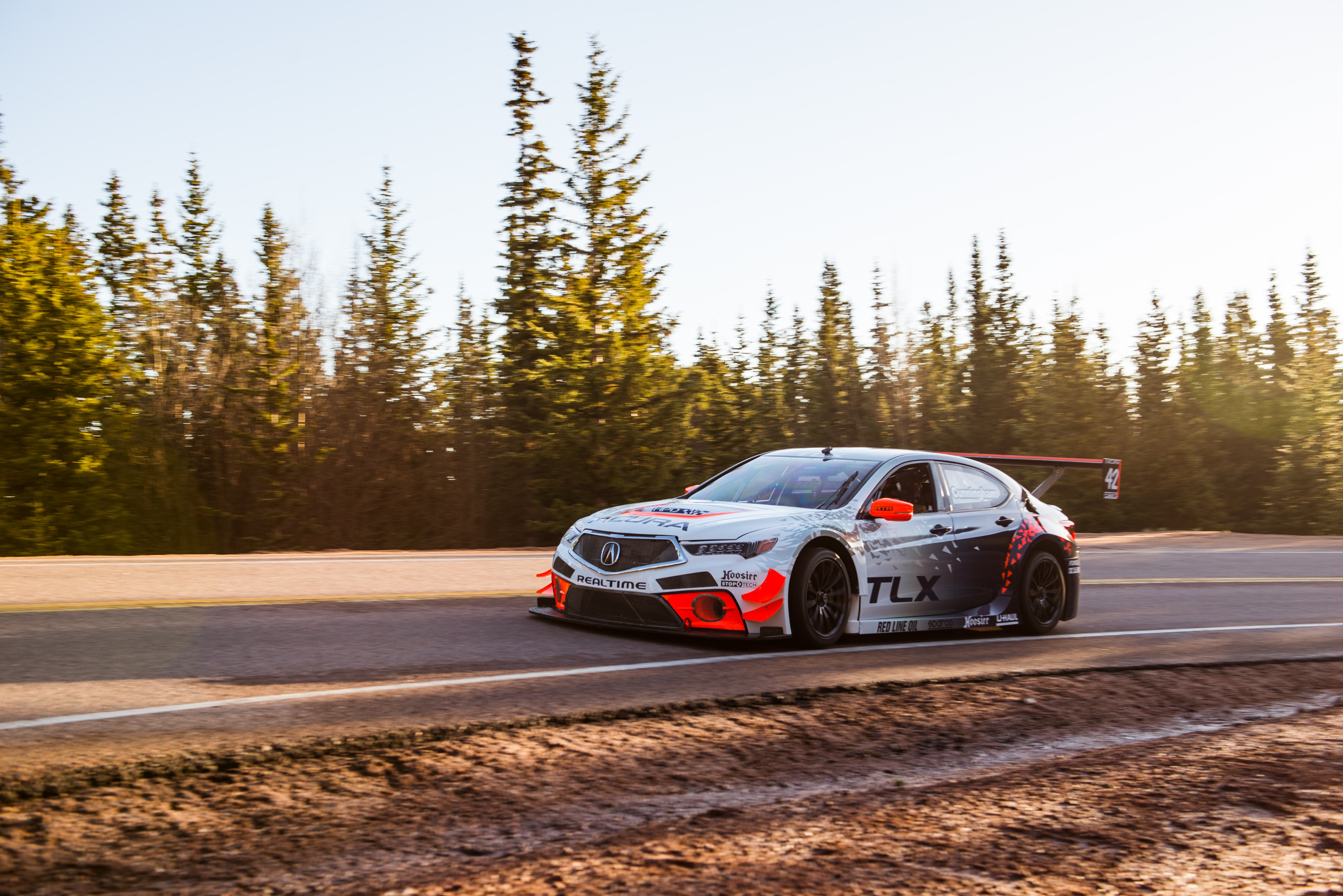 acura brings nsx two tlx to 2017 pikes peak hill climb automobile magazine. Black Bedroom Furniture Sets. Home Design Ideas