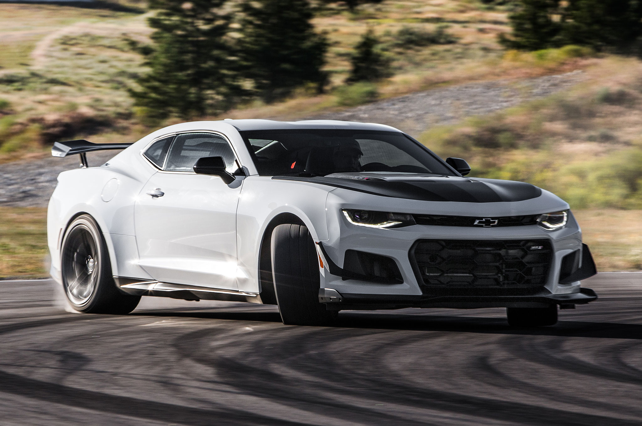 First Drive 2018 Chevrolet Camaro Zl1 1le Auto Breaking