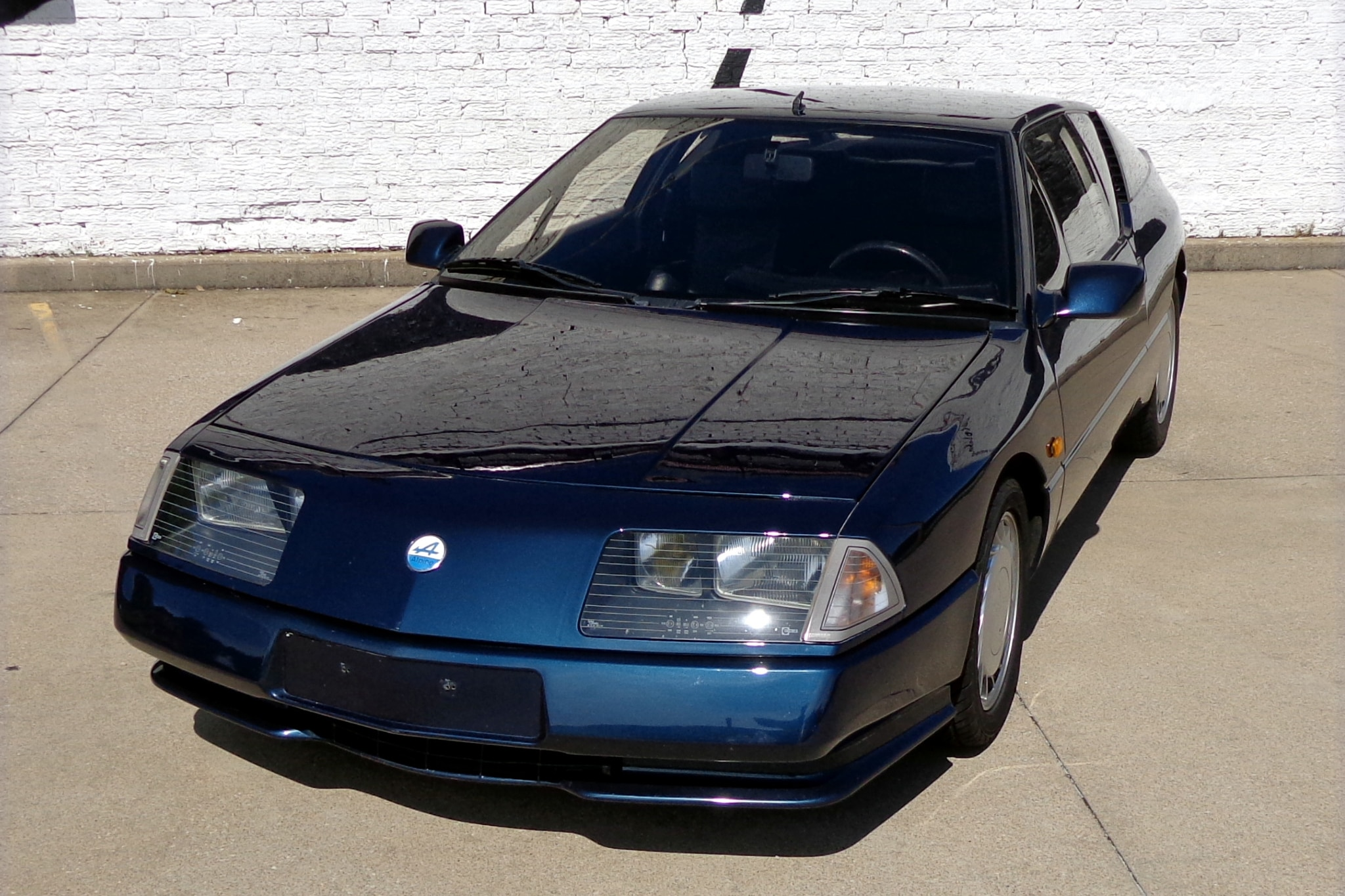 1990 Renault Alpine GTA V6 Turbo Front Three Quarters