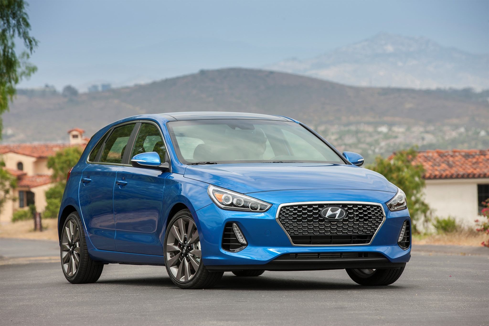 2018 hyundai elantra gt sport first drive review. Black Bedroom Furniture Sets. Home Design Ideas