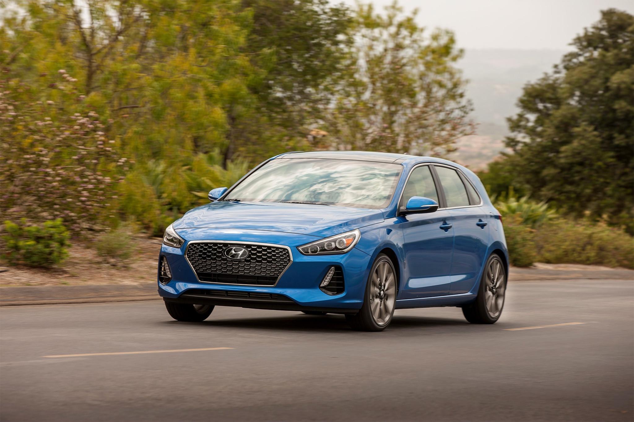 2018-Hyundai-Elantra-GT-Sport-front-thre