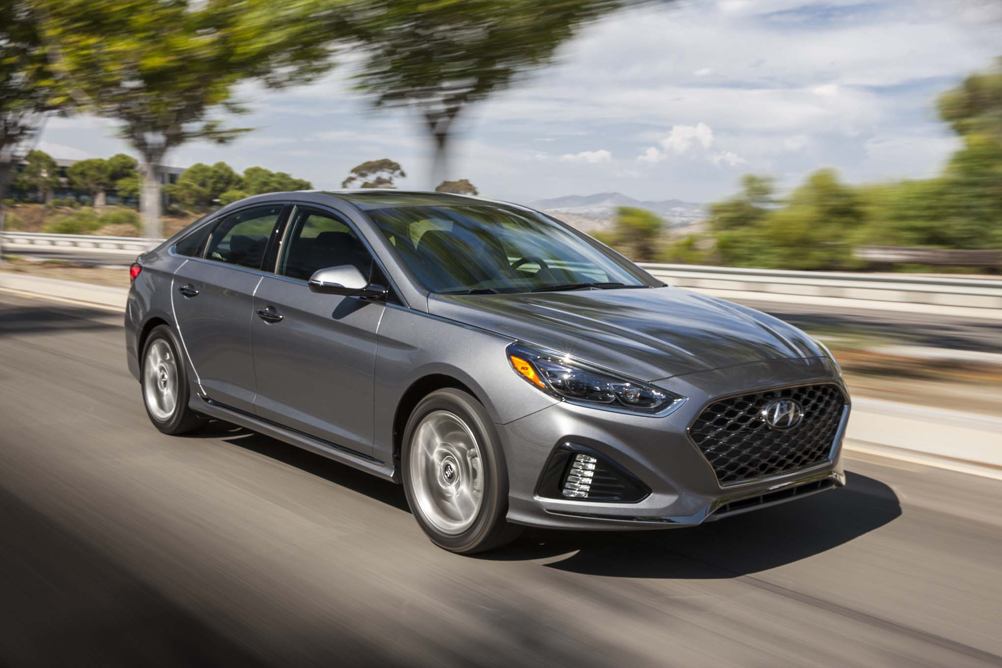 2018 Hyundai Sonata 20T Limited Front Three Quarter In Motion 03