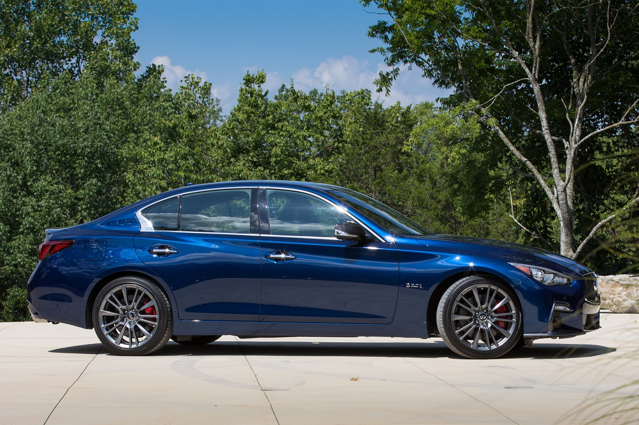 2018 infiniti red sport 400. Beautiful Sport The Red Sportu0027s Interior Makes Heavy Use Of Blackcolored Materials And  Carbonfiberlike Details Without Coming Off As Dark Johnny Cashu0027s Suit Closet With 2018 Infiniti Red Sport 400