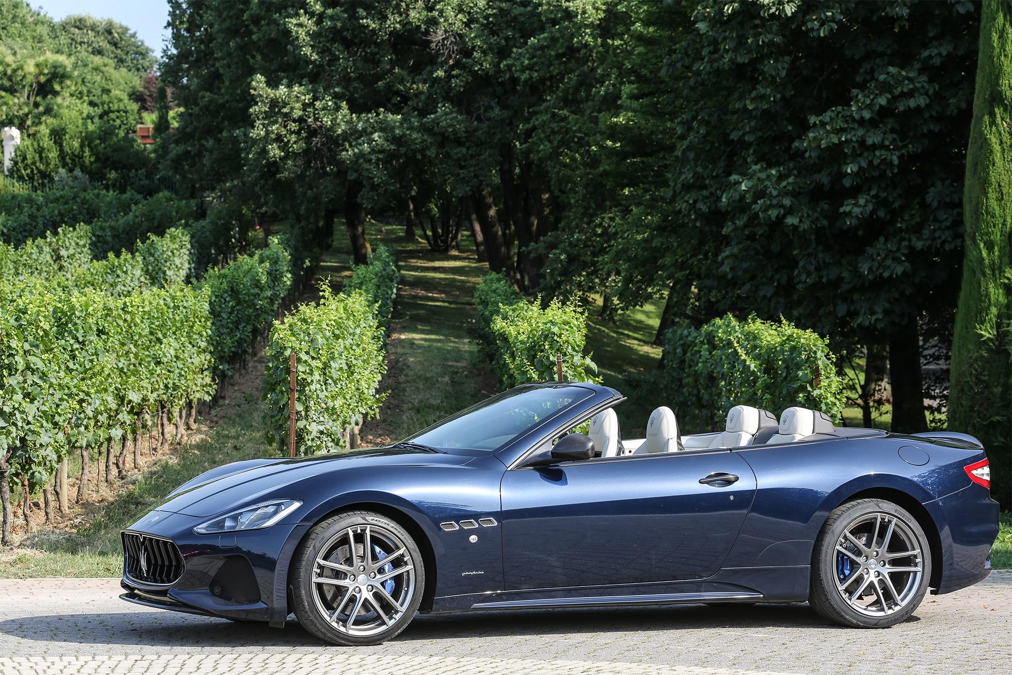 http://st.automobilemag.com/uploads/sites/11/2017/07/2018-Maserati-GranCabrio-Sport-side-profile-02.jpg