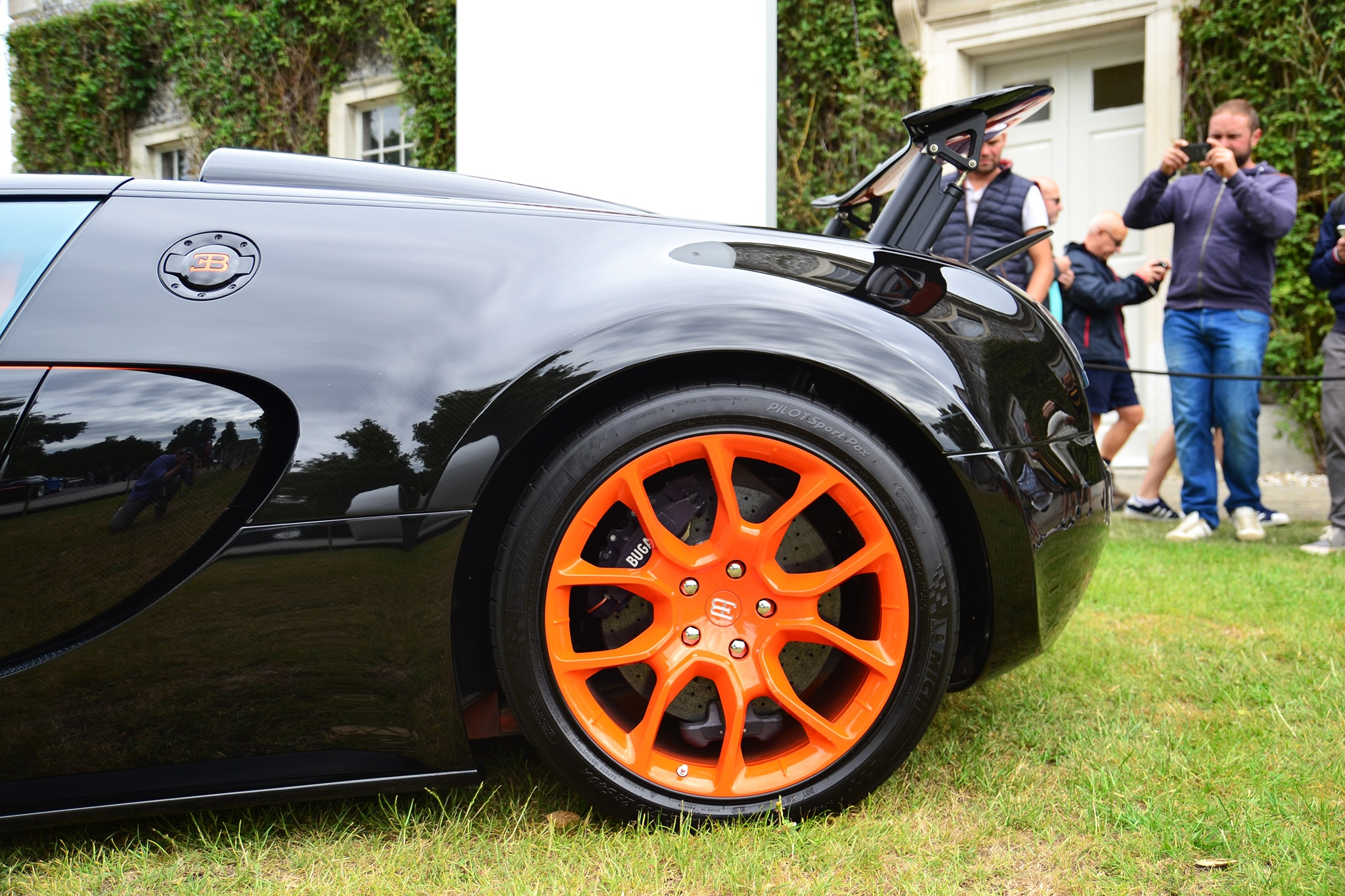 Bugatti-Veyron-Grand-Sport-Vitesse-Goodwood-Rear-Detail Astounding Bugatti Veyron Grand Sport Vitesse Roof Cars Trend