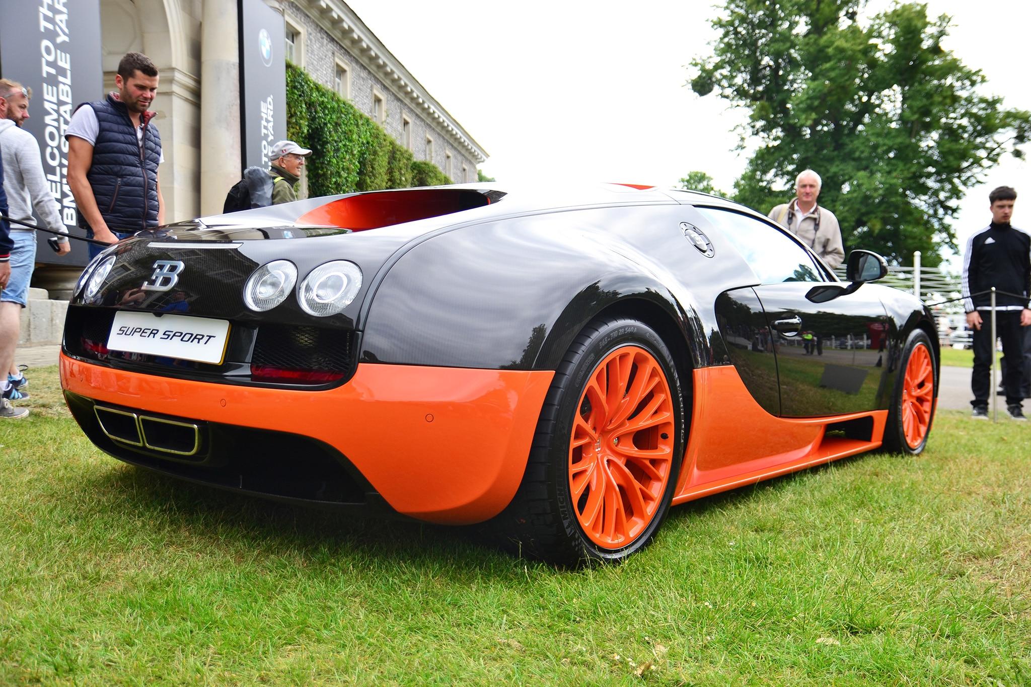 bugatti displayed 9 404 horsepower at the 2017 goodwood. Black Bedroom Furniture Sets. Home Design Ideas