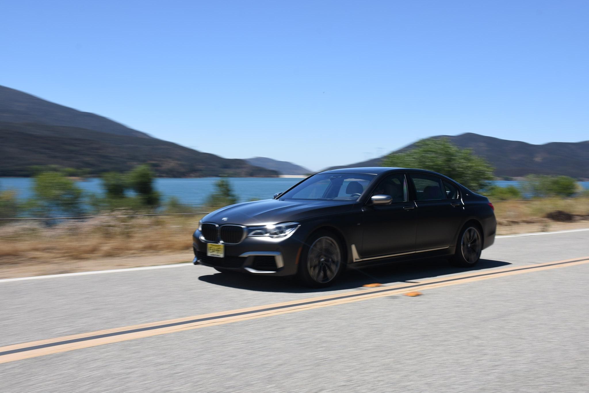 2017 BMW M760i 062