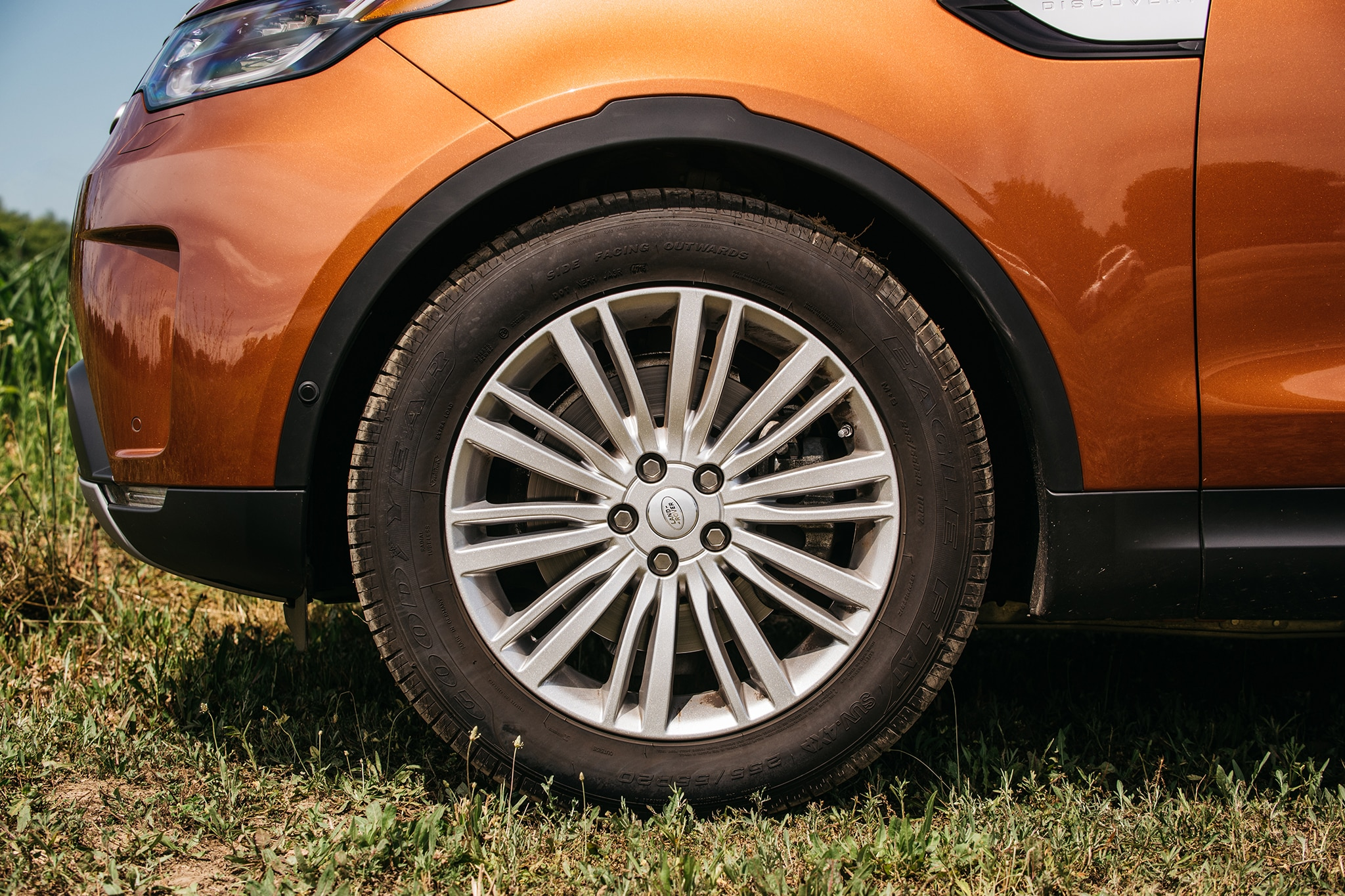 2017 Land Rover Discovery Td6 HSE Wheel 03