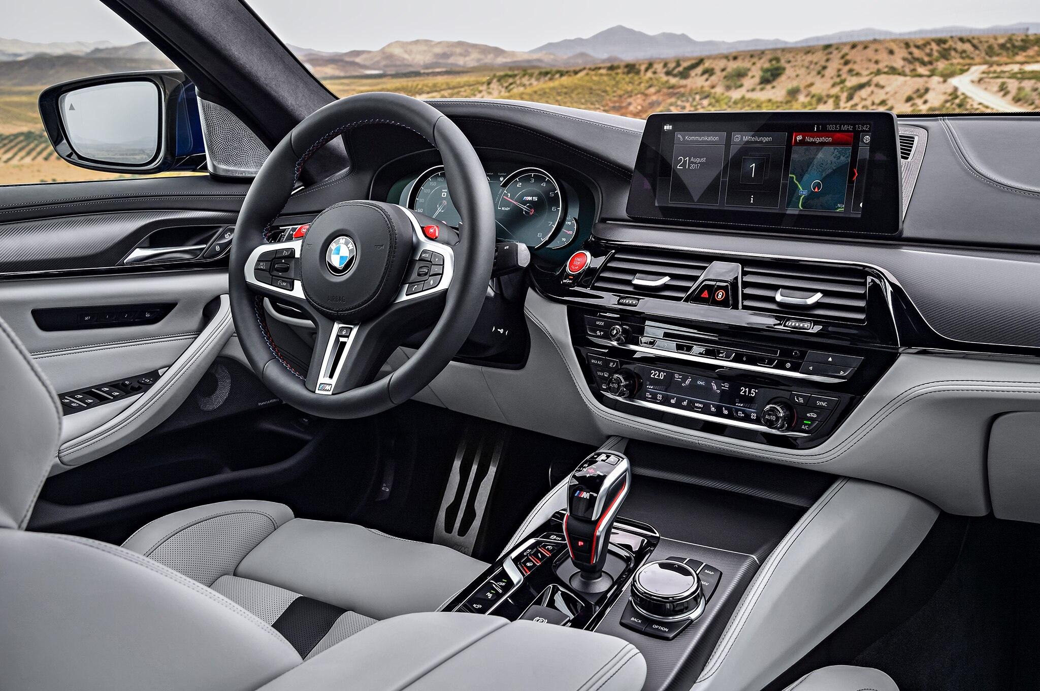 2018 BMW M5 Interior 01