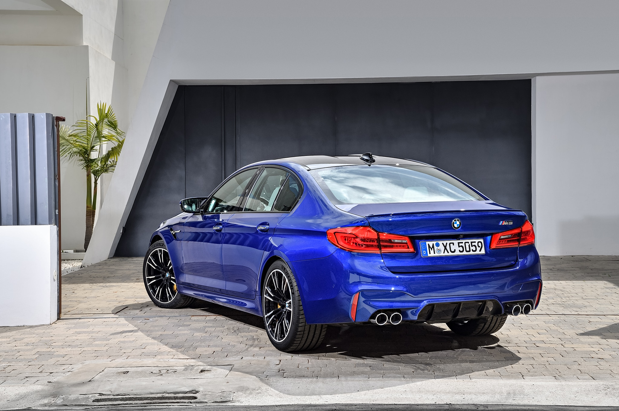 2018 BMW M5 Arrives Packing A 600-HP Twin-Turbo V-8