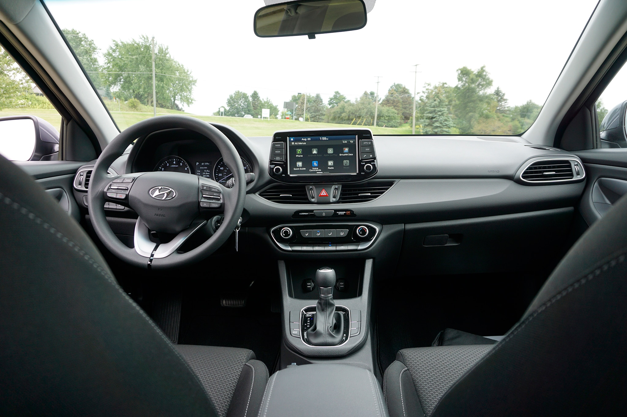 2018-Hyundai-Elantra-GT-cabin.jpg