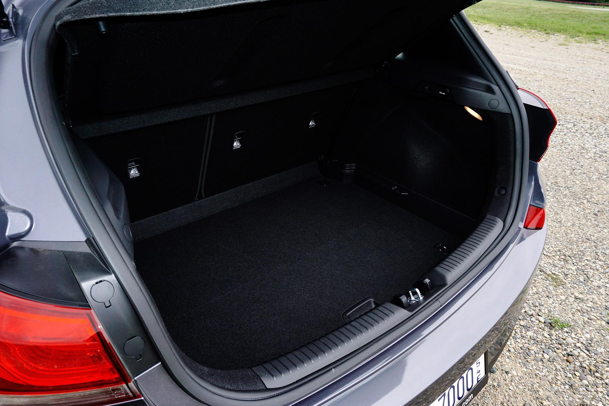 2018-Hyundai-Elantra-GT-cargo-space.jpg