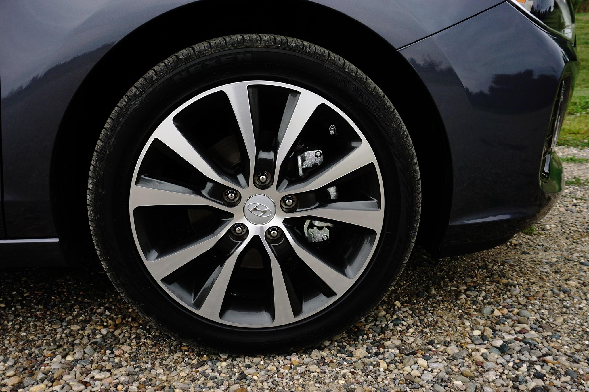 2018 Hyundai Elantra GT Sport First Drive Review ...