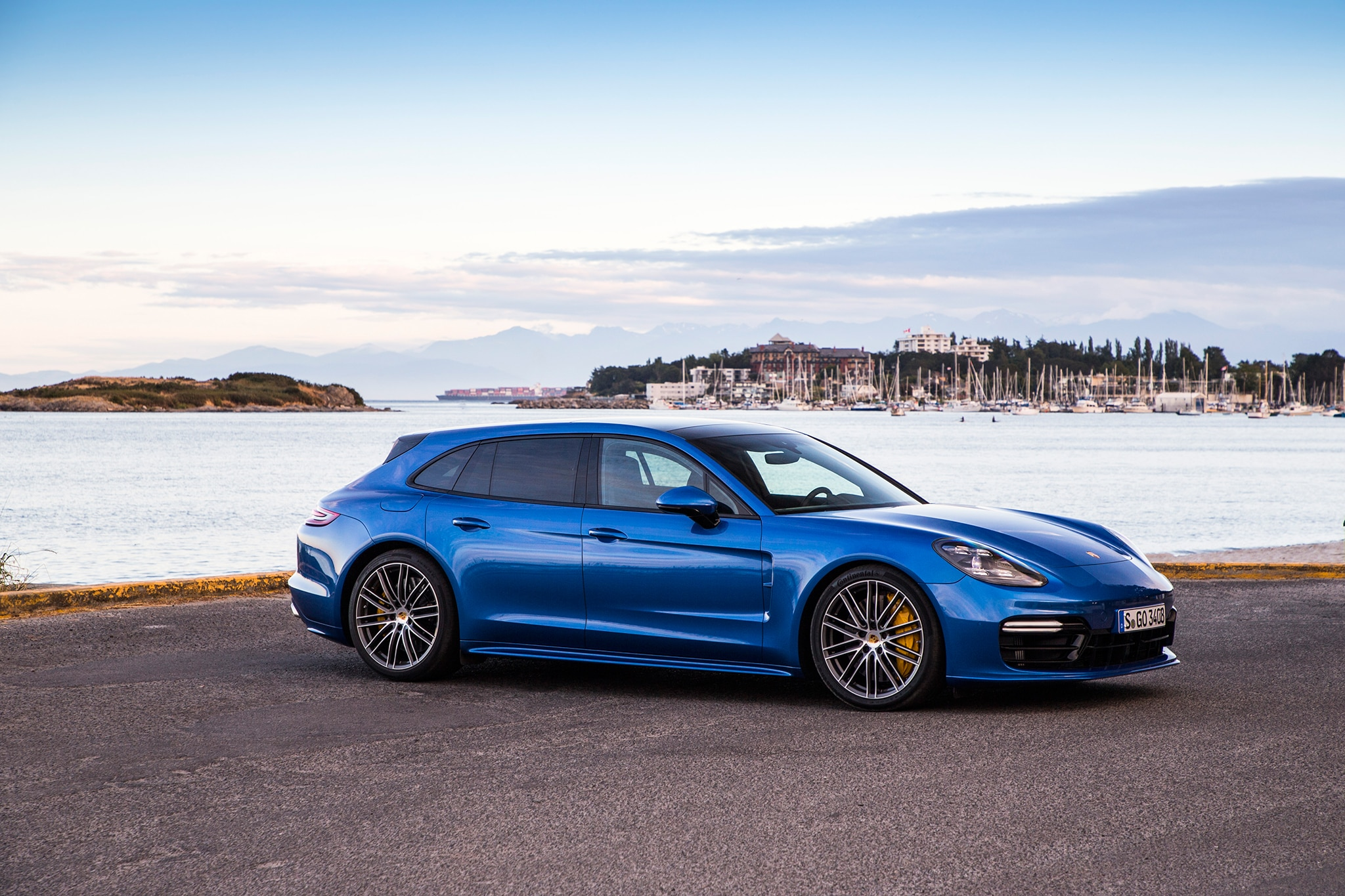 Amazing 2018 Porsche Panamera Sport Turismo First Drive Review
