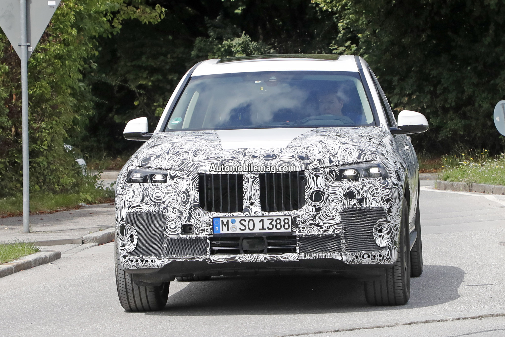 BMW X7 Production Lights 1