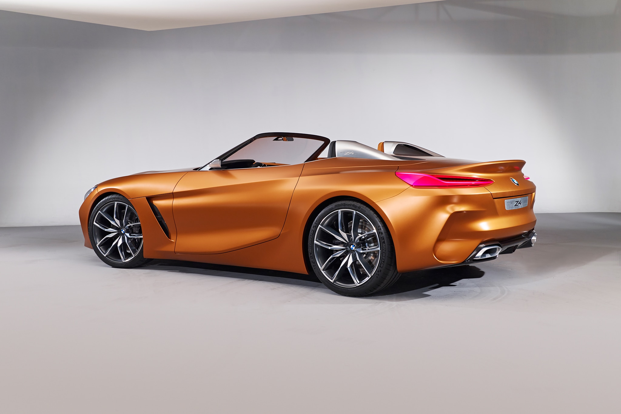 By Design Bmw Z4 Concept And Bmw Concept 8 Automobile